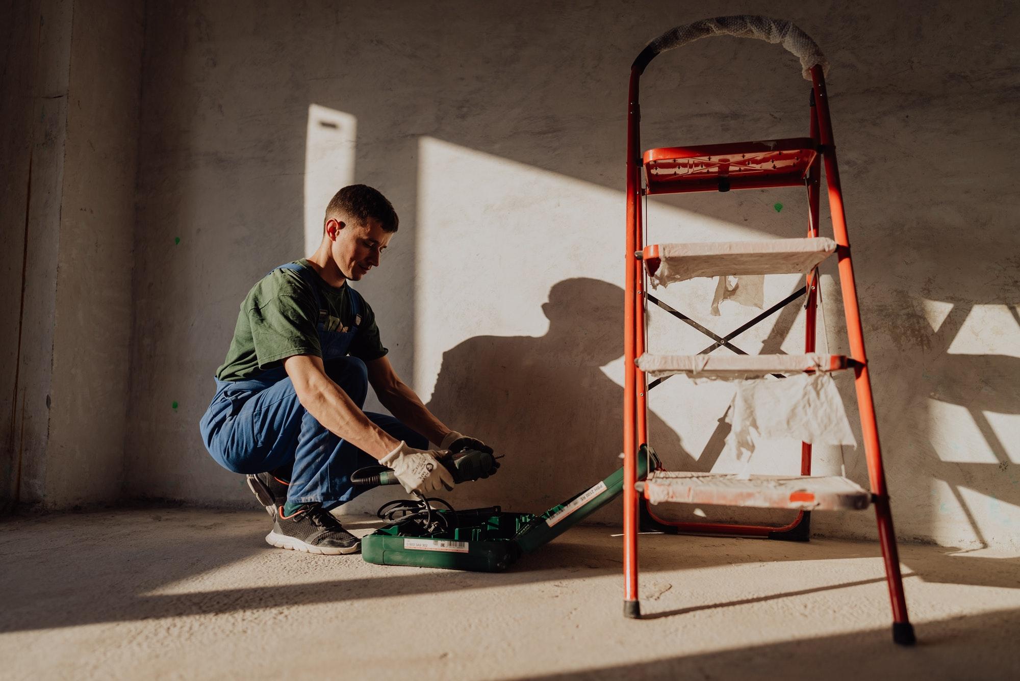 Bore hul i beton eller tegl selv med diamantbor, er det muligt eller bør jeg bruge fagfolk